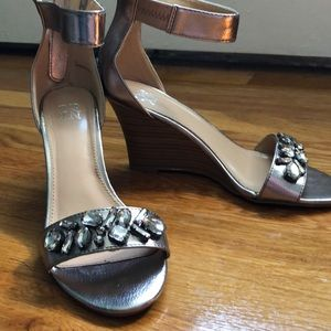 New York and company wedges